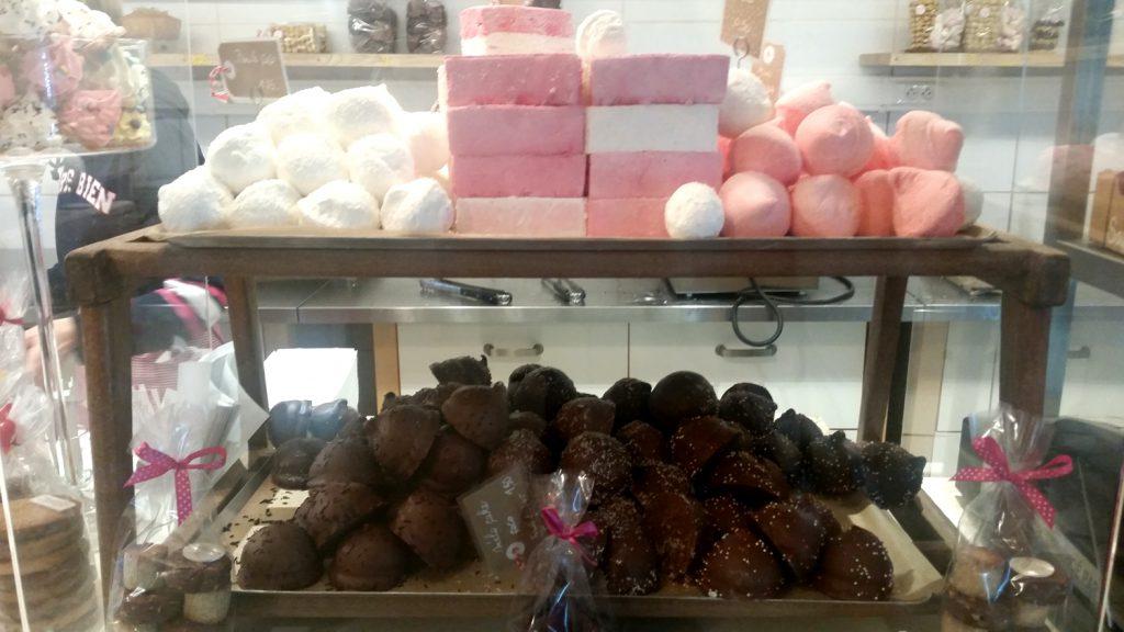 "Marschmellows und Boules de Coco from the bakery ""Une Gaufrette Saperlipopette"""