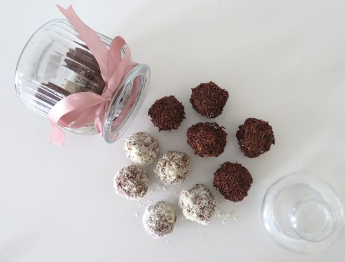 Biscuit & chocolate balls (Troufakia)