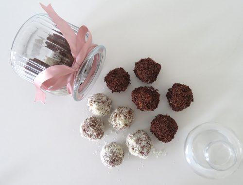 Biscuit & chocolate balls (Troufakia)