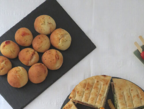 Pizza balls filled with ham and cheese
